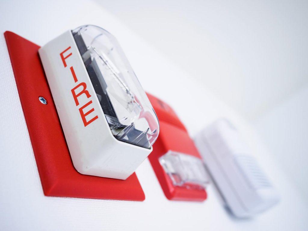 Normativa antincendio scuole: che fare in caso di mancato adeguamento?