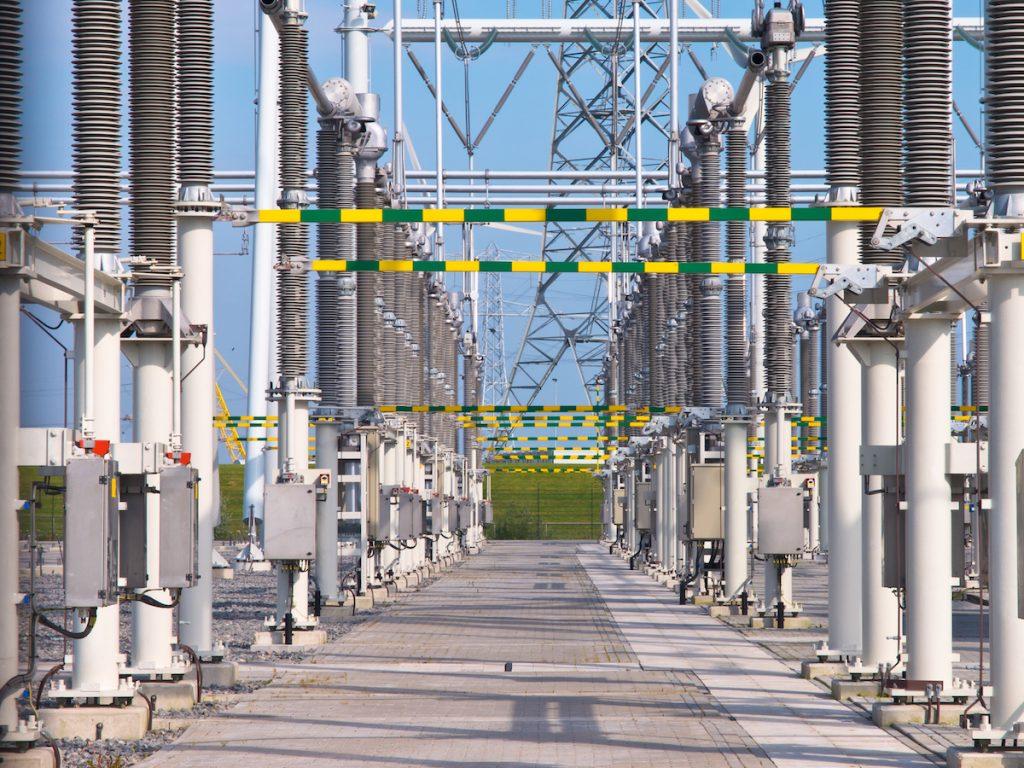 Lavori elettrici in alta tensione, dall'Inail le indicazioni per la sicurezza