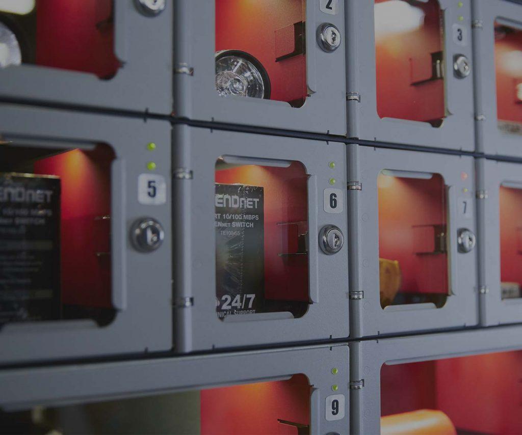 Distributori automatici di DPI e materiali di consumo