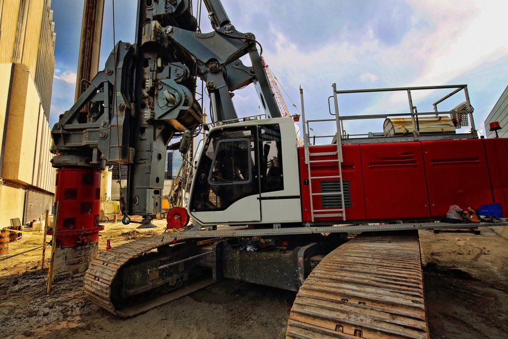 Rischio scavi e sicurezza: le armature in terreni coesivi o granulari