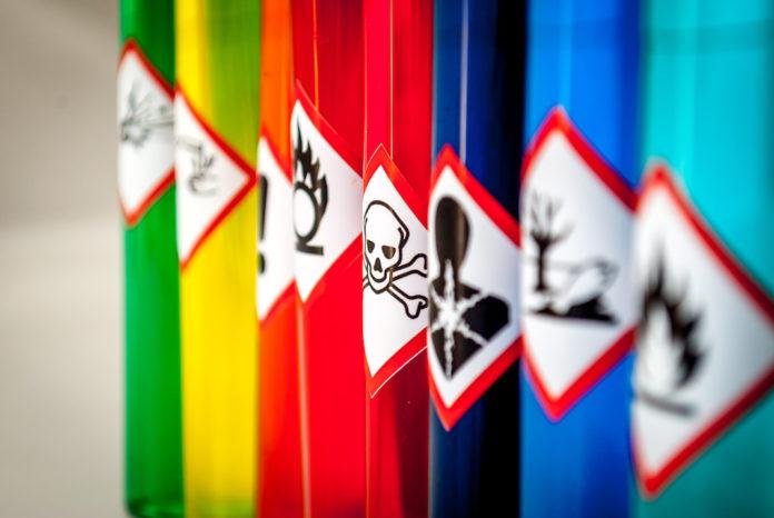 Agenti chimici pericolosi, opuscolo Inail, rischi, Testo Unico, Reach e Clp